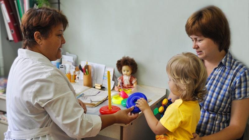 Вологодские поликлиники организуют дополнительные приемы для детей
