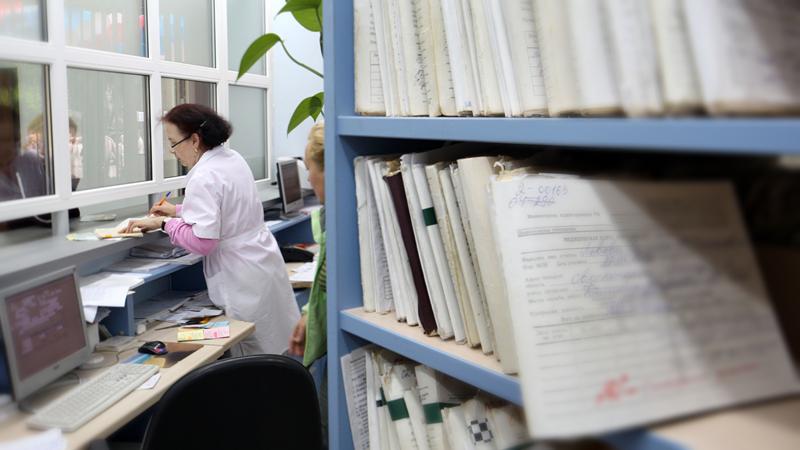 Олег Кувшинников: необходимо срочно внедрить электронные медицинские карты