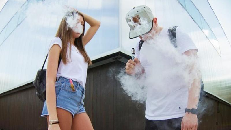 На Вологодчине планируют запретить продажу вейпов и электронных сигарет несовершеннолетним