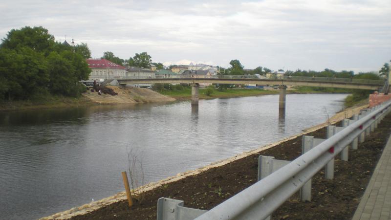 В Вологде начали благоустраивать набережную реки