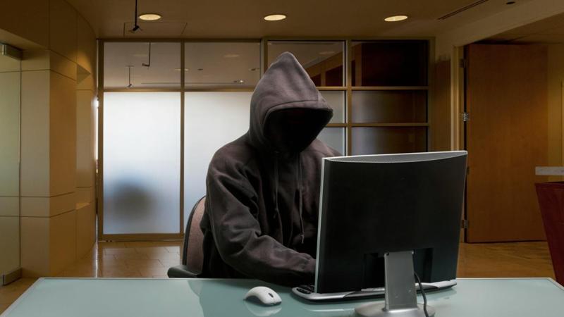 Череповчанин шантажировал своего начальника тайными снимками