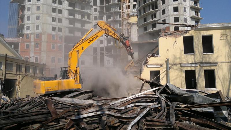 Жильцам аварийных домов предложили снести здания самим
