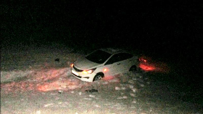 На трассе Вологда-Новая Ладога иномарка опрокинулась в кювет