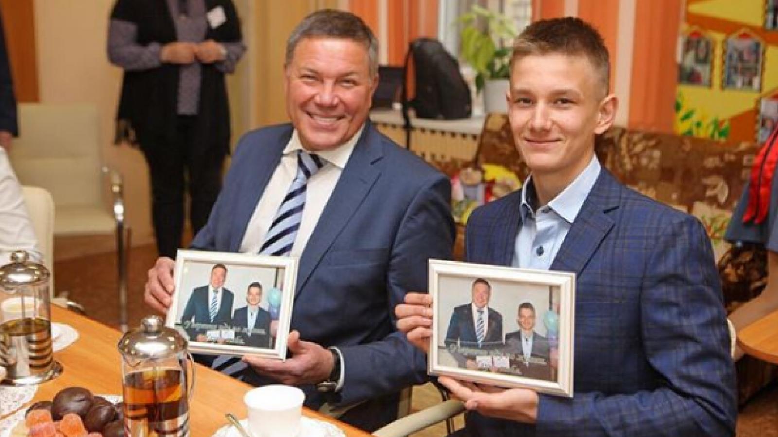 Олег Кувшинников стал наставником подростка-сироты