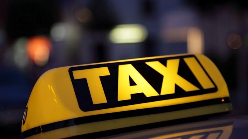 Областной суд запретил работу службы такси «Максим»