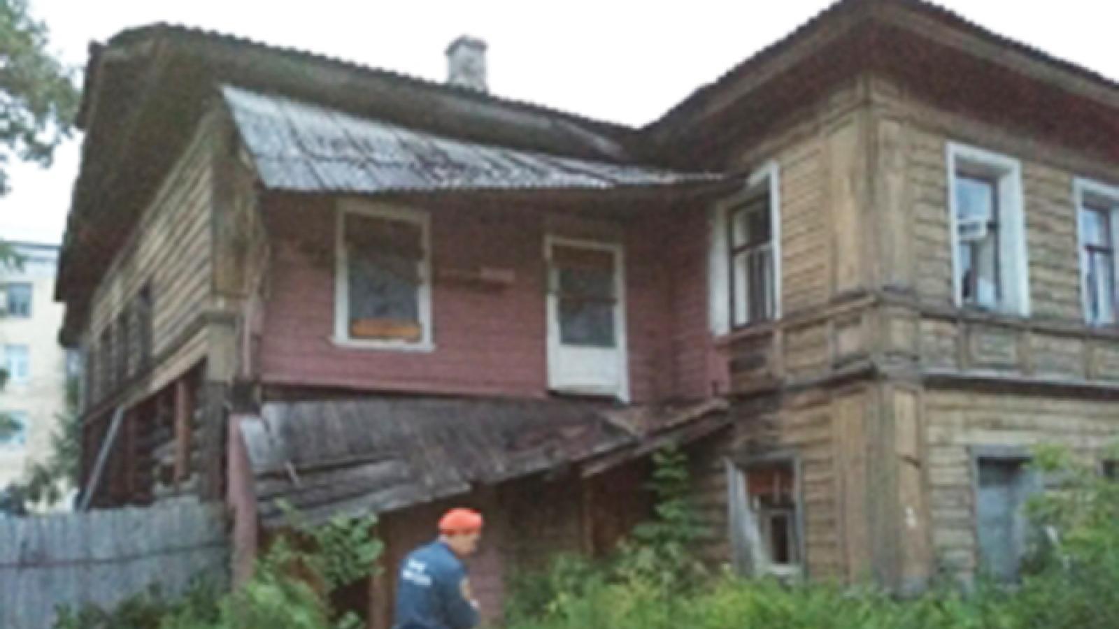 Деревянный дом горел в Заречье в Вологде