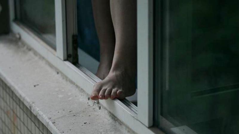 В Череповце покончила жизнь самоубийством 24-летняя девушка
