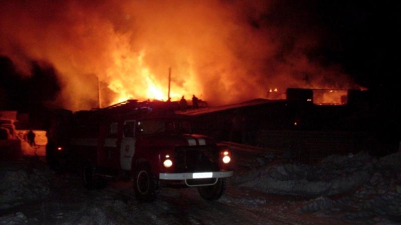 В Вытегорском районе ночью горела пилорама