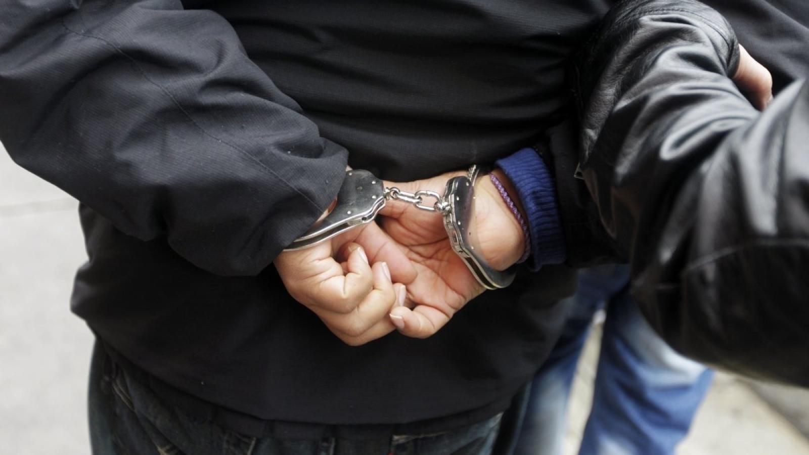 Череповчанин захватил в заложники директора предприятия и избил его