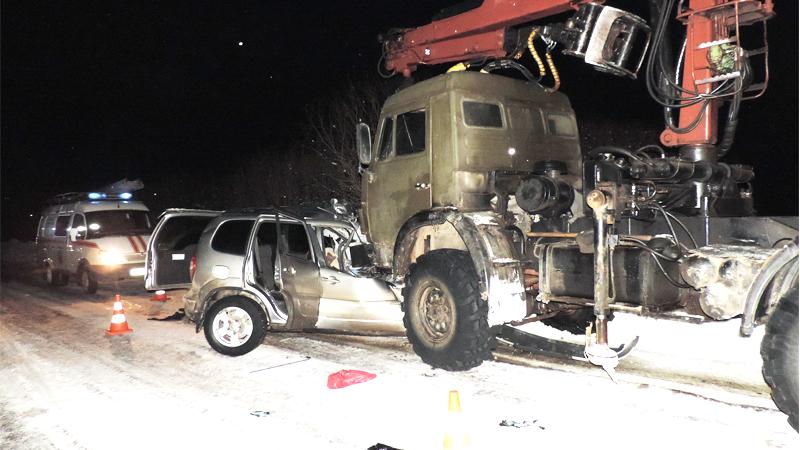 Два человека погибли в лобовом ДТП по Кадниковым