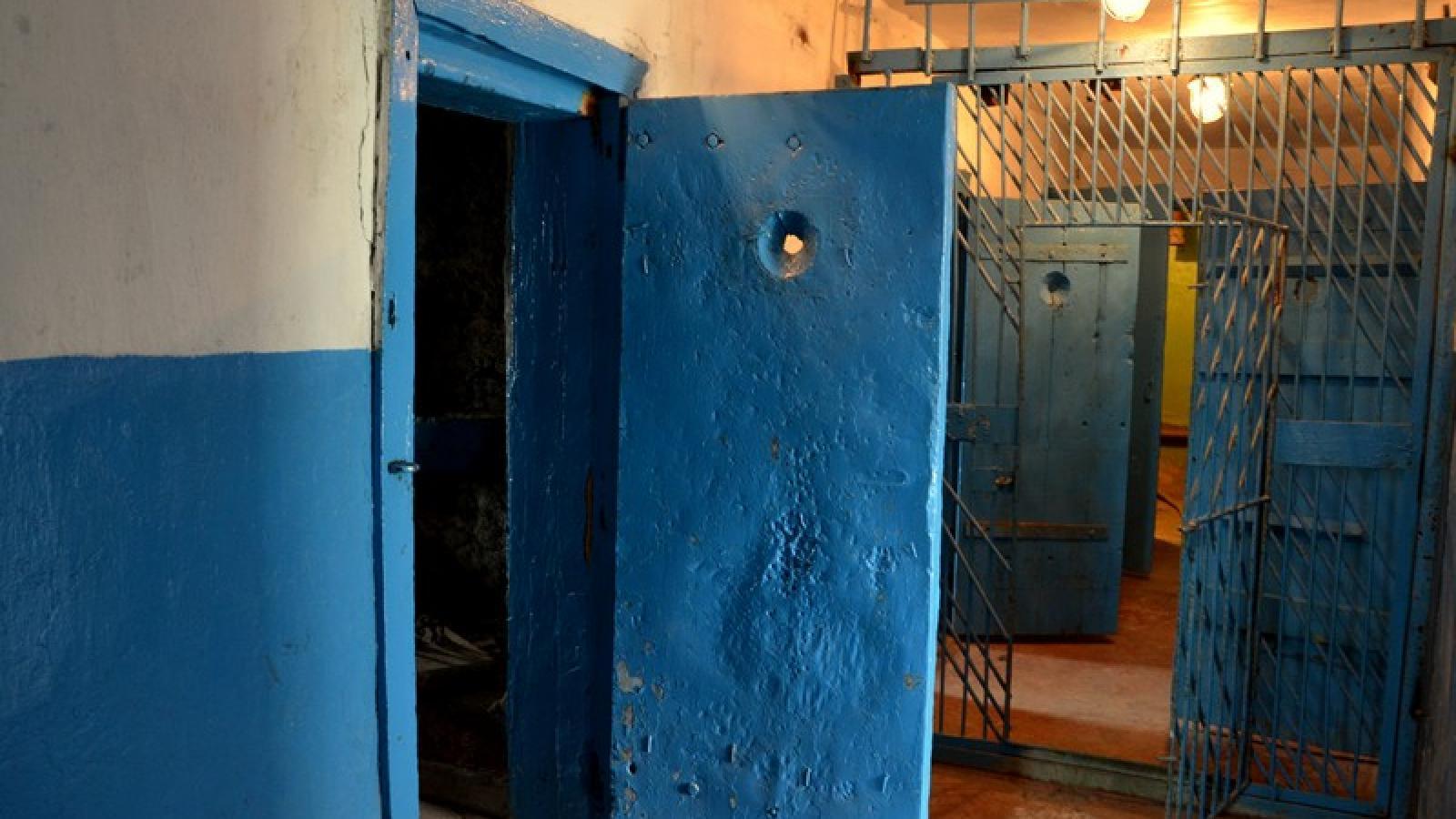 В устюженской колонии заключенного незаконно держали в изоляторе