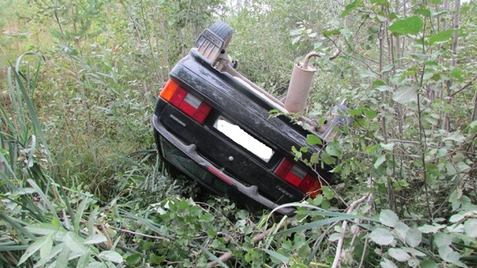 Легковушка опрокинулась в кювет в Вожегодском районе: водитель найден погибшим