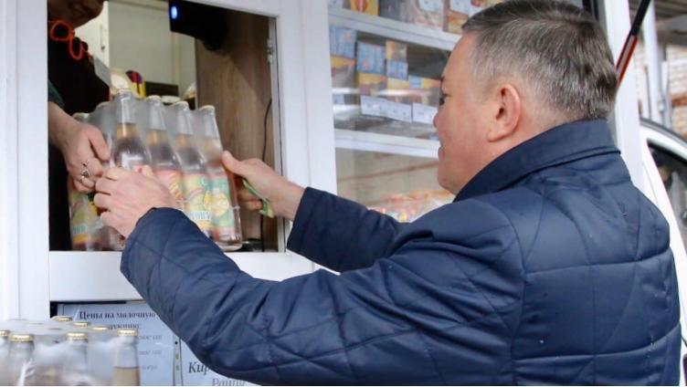 Олег Кувшинников побывал на производстве лимонада