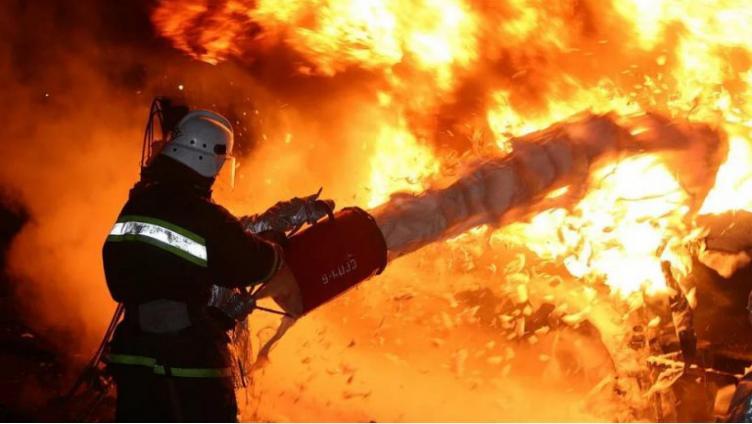 Страшный пожар под Шексной: погибло два человека