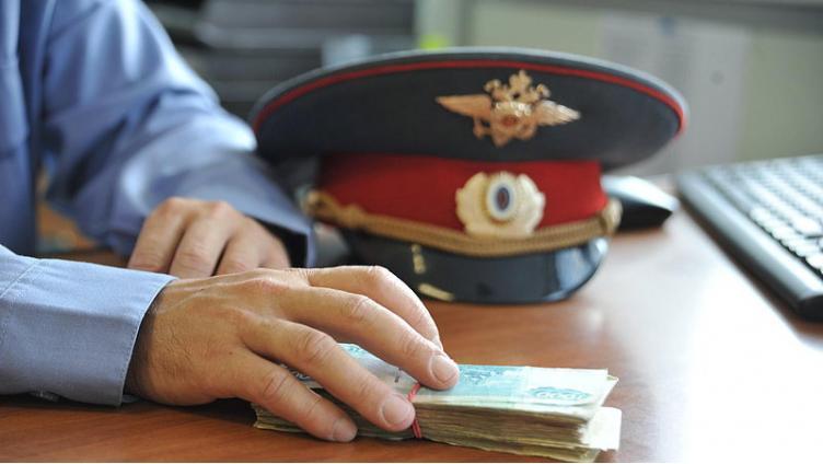 МВД заплатит 100 тыс. за сведения о матери, бросившей ребенка на свалке