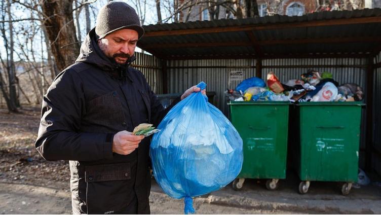 Прокуратура разобралась, кто должен покупать мусорные контейнеры