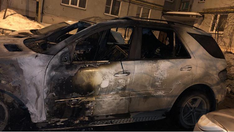 В Вологде ночью вспыхнуло три автомобиля