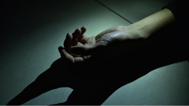 В Вологде у многоэтажки нашли тело женщины