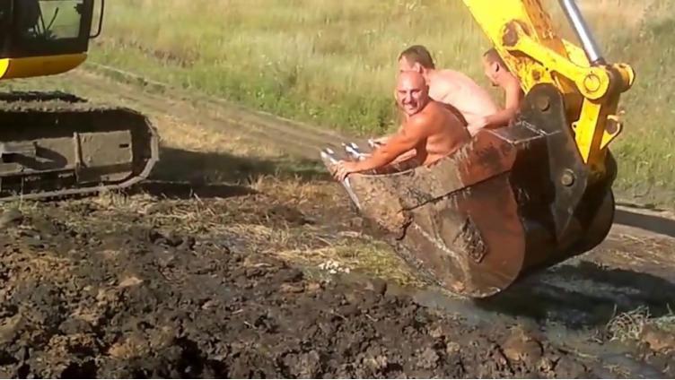 Экскаваторщик оставил деревню без газа