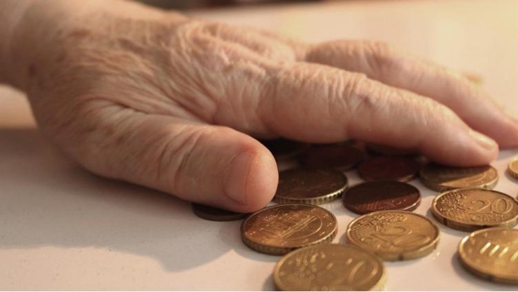 Пенсионный фонд хочет вернуть деньги, которые выплачивал умершему человеку