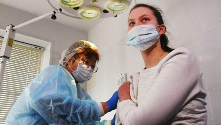 Массовая вакцинация начнётся со следующей недели