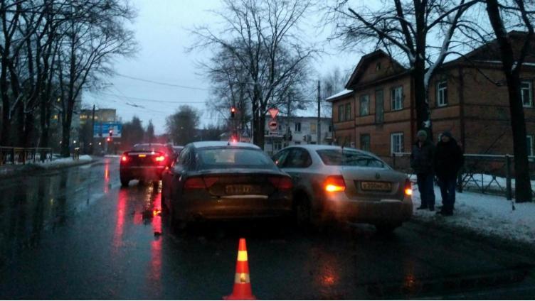 Тройное ДТП в Вологде: пострадала 6-летняя девочка