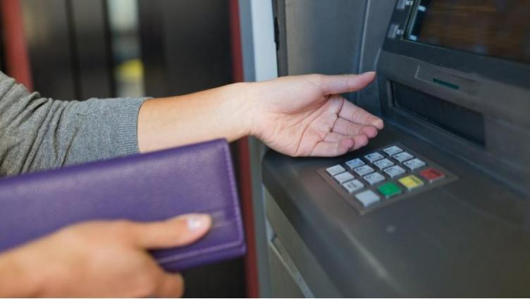 В России массово обнуляются банковские счета