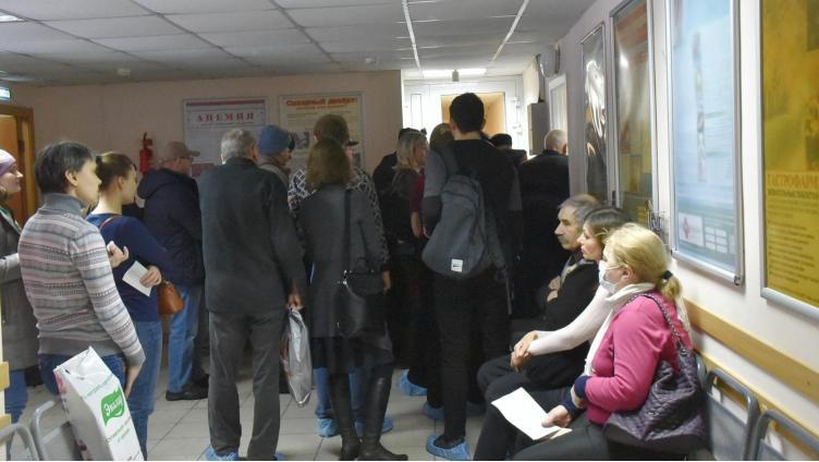 Сократить очереди в поликлиниках на 30% пообещали вологжанам