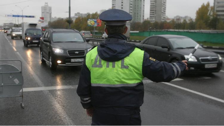 Череповчанин сбил инспектора ГИБДД