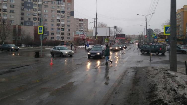 В Вологде водитель сбил подростка и скрылся с места ДТП