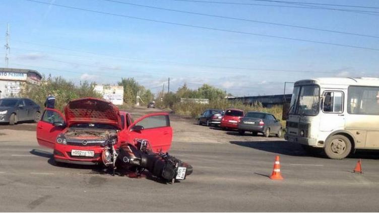 Череповчанка сбила мотоциклиста