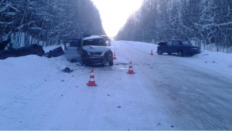 Авария с участием трех автомобилей в Бабаевском районе: есть пострадавшие