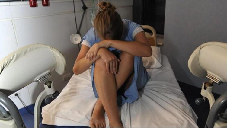 Минздрав против вывода абортов из ОМС