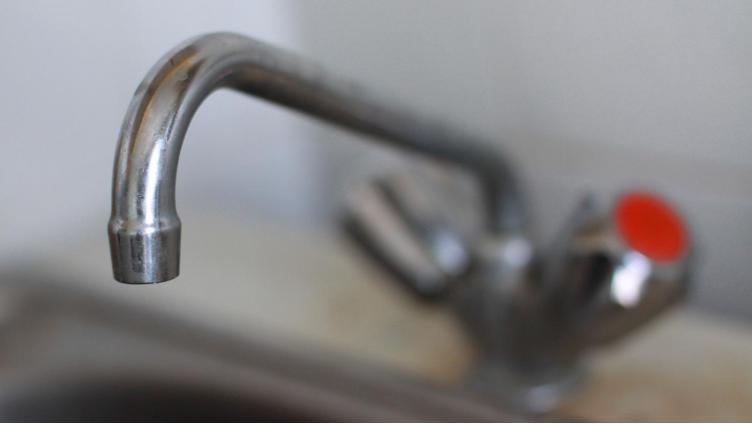 Горячую воду отключат сегодня в нескольких микрорайонах Вологды