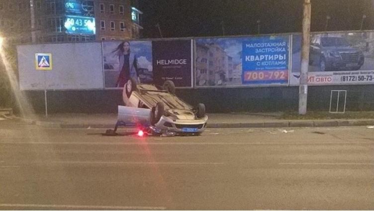 Патрульная машина перевернулась во время погони за нарушителями