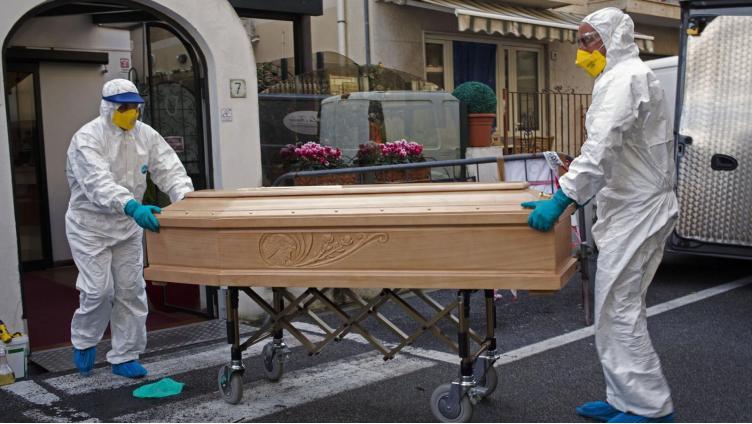 Смертность от COVID занижена в 4 раза?