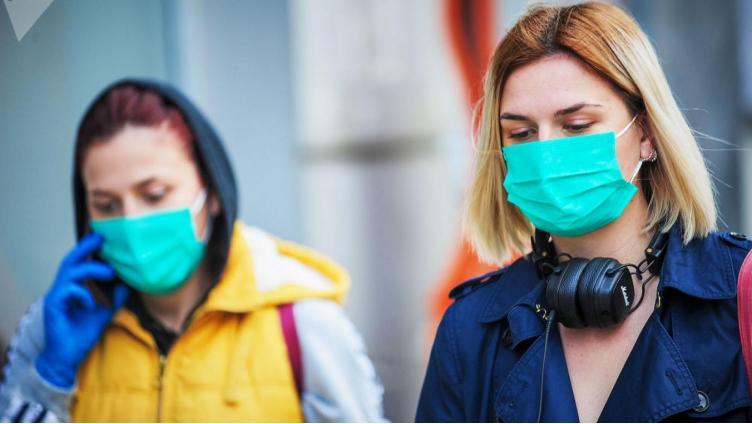 Чем опасны маски и перчатки