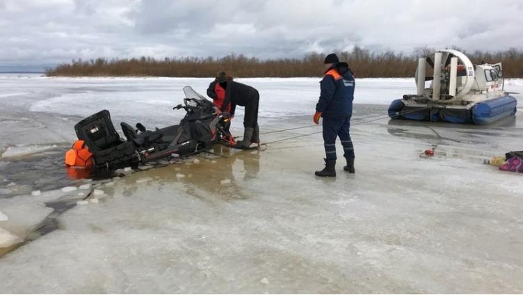 В Череповце рыбаки чудом остались живы