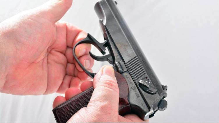 Череповецкий городской суд рассмотрел дело ветерана боевых действий, прострелившего себе руку