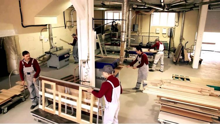В Вологодской области к осени откроют мебельную фабрику