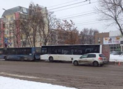 В Вологде произошло столкновение двух пассажирских автобусов