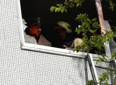 Дети прыгнули из окна, спасаясь от пожара