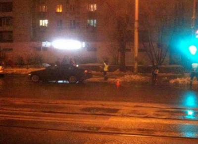 В Череповце мужчина не успел перейти дорогу и попал под колеса авто