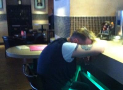 Тайный незнакомец в баре украл кошелек у вологжанина