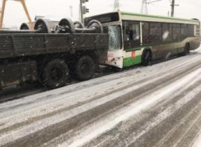 Подробности серьёзного ДТП с участием автобуса
