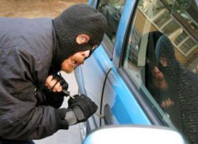 В Вологде угонщики разбили три машины, спасаясь от погони