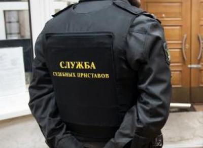 У череповчан арестовали бытовую технику за долги по коммуналке