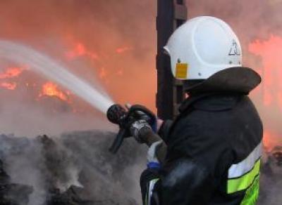 В Череповце едва не сгорел шиномонтаж