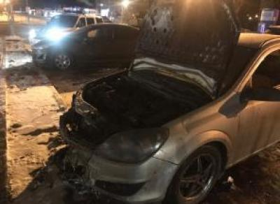 В Вологде сегодня горело две иномарки