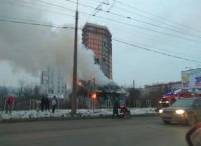 В Вологде вспыхнул дом на Ленинградской